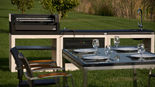 015 Beton Outdoorküche von Movelar Tuozi mit Holzkohlegrill