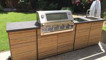 Herrenhaus Outdoor Küche aus Holz mit BeefEater BBQ Grill (ID:051)