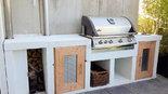 Selbstgebaute Außenküche aus Holz und Beton (ID:054)