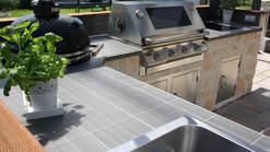 Outdoor Küche mit BeefEater und Kamado Grill (ID:058)