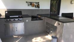 Outdoorküche aus Stein mit BeefEater Grill (ID:114)