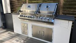 Gemauerte Außenküche mit Napoleon Bipro825 Grill (ID:137)
