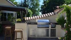 Selbstgebaute Outdoor Küche mit Bull BBQ Grill (ID:144)