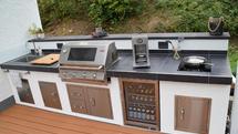 Selbstgebaute verputzte Outdoor Küche mit BeefEater Grill (ID:188)