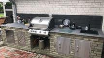 Outdoor Küche aus Backsteinen mit Napoleon Grill (ID:189)