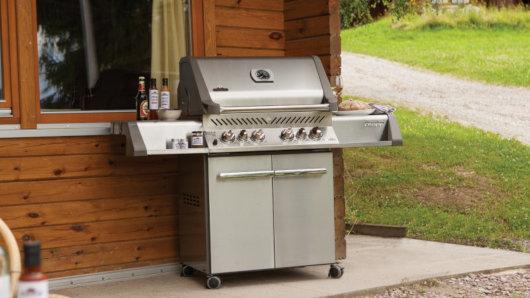 Gas Oder Holzkohlegrill Unterschied : Grill kaufen: ratgeber worauf man achten muss beim grillkauf