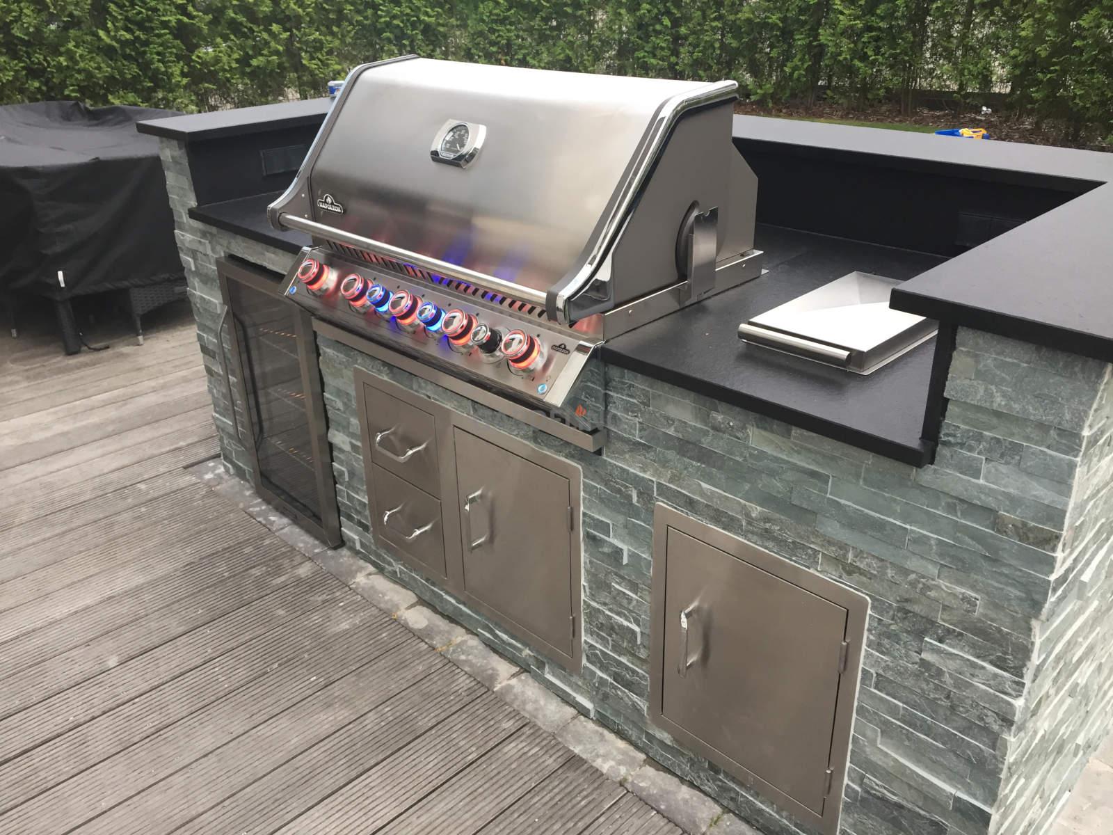 Gasgrill In Outdoor Küche Integrieren : Außenküche selbst bauen: komponenten zum bau