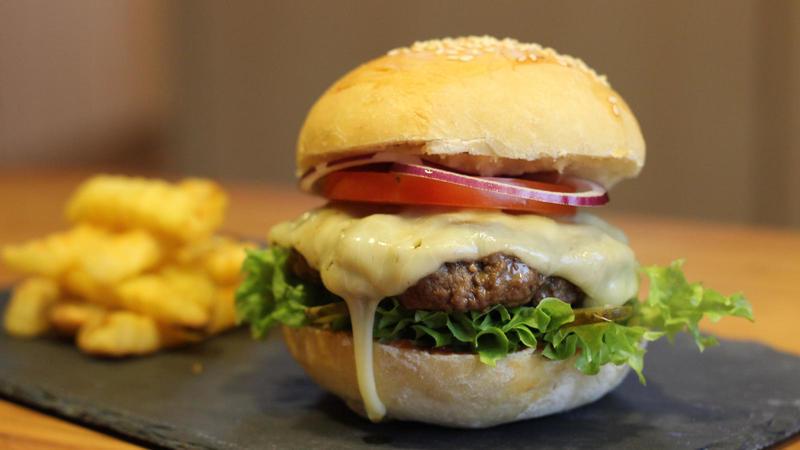 Den perfekten Burger auf dem Gasgrill grillen
