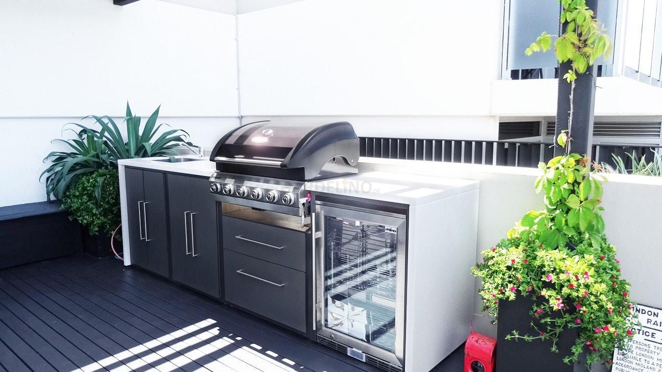 Outdoorküche Arbeitsplatte Küche : Moderne outdoor küche von fresco frames