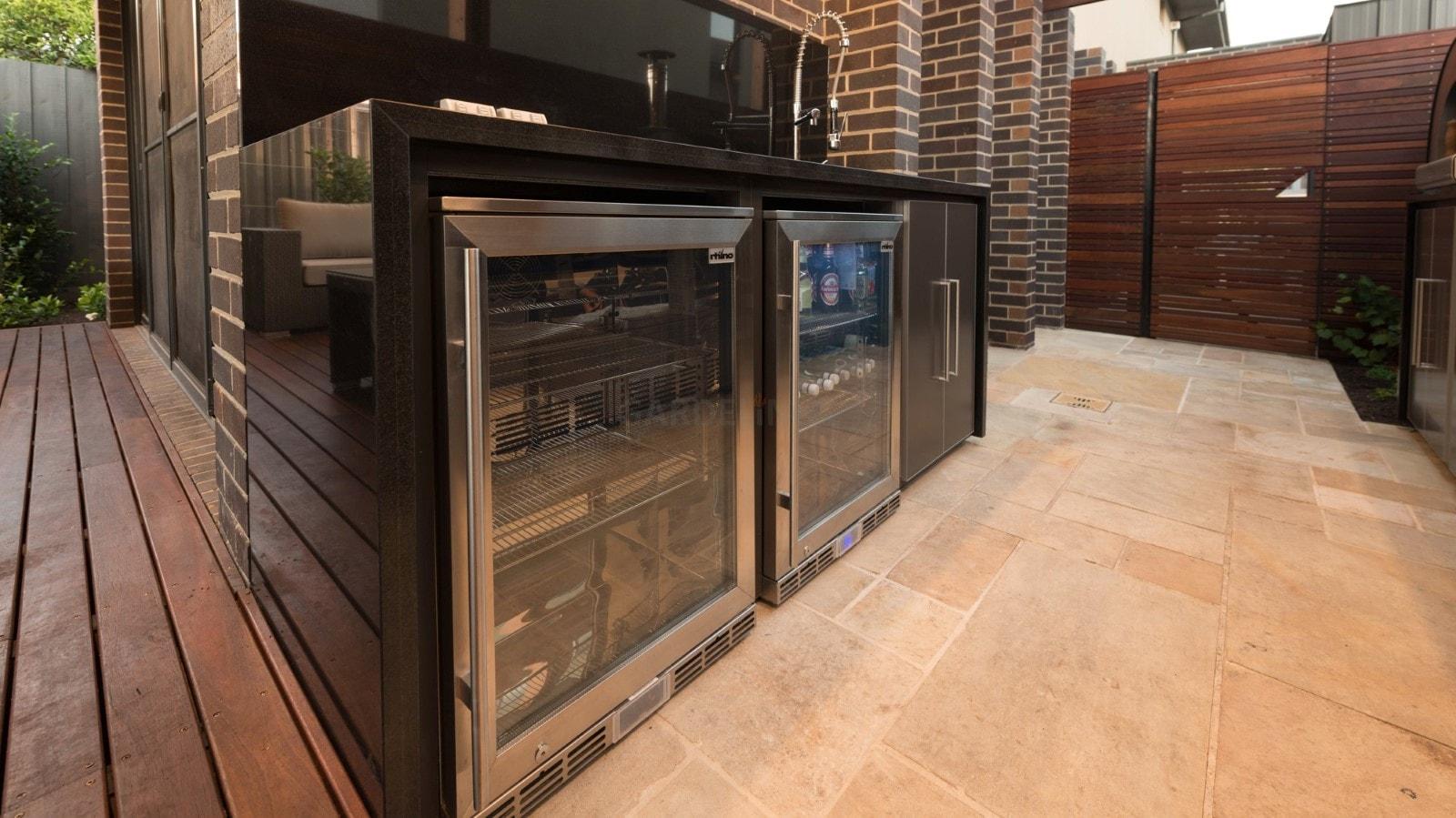 Outdoor Küche Kühlschrank : Moderne outdoor küche von fresco frames