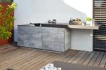 BBQtion Outdoor Küche mit Induktionsherd und einem verschiebbaren Tischplattenaufsatz