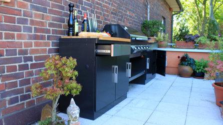 Viel Stauraum durch Schubladen und Schrankmodule im 1100 E Outdoor Küchen System