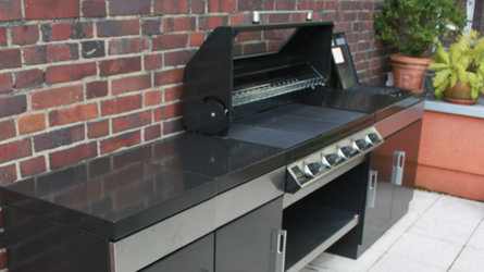 Outdoor Küche Beefeater 1100E mit 5 Brenner Einbaugrill