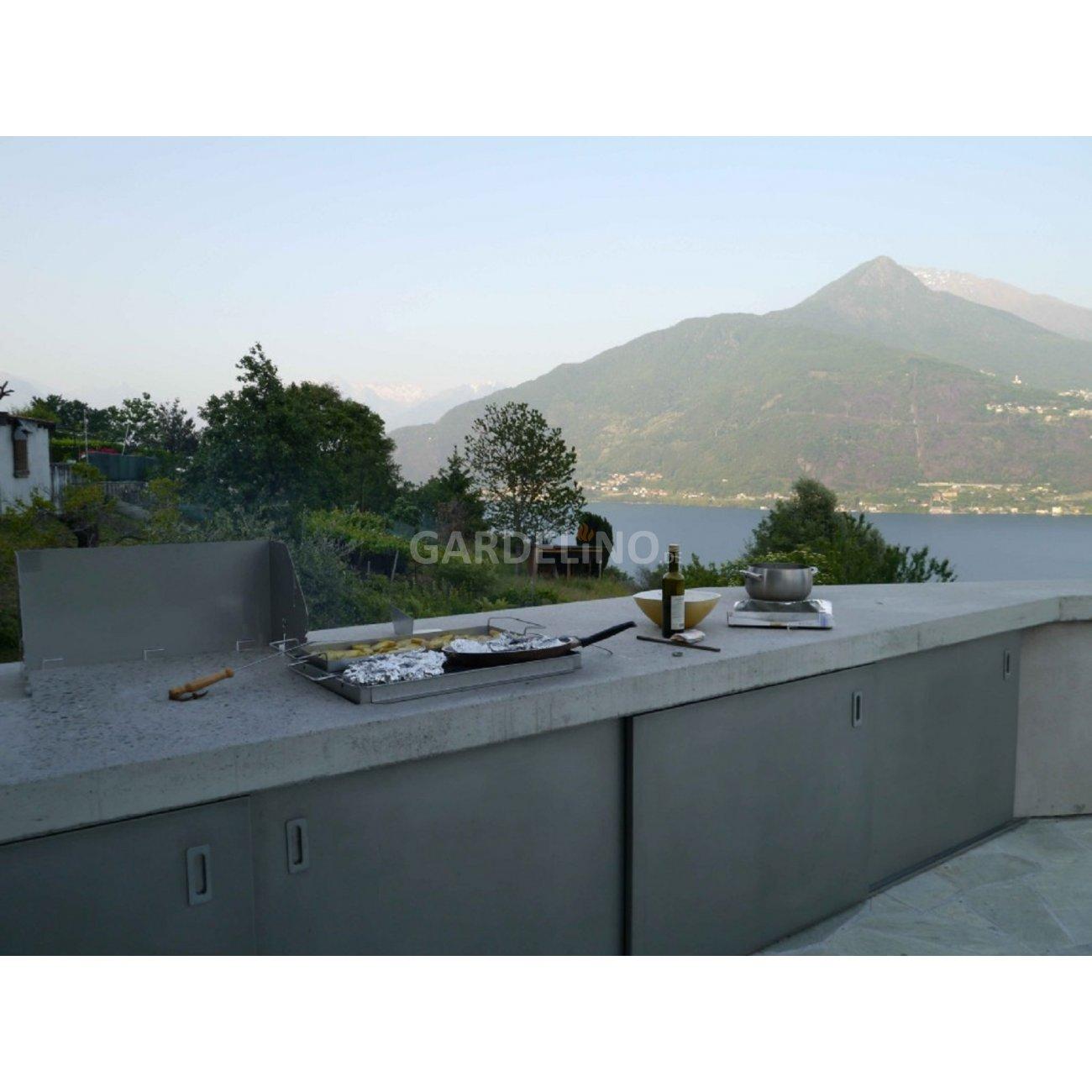 outdoork che aus beton mit fantastischer aussicht. Black Bedroom Furniture Sets. Home Design Ideas