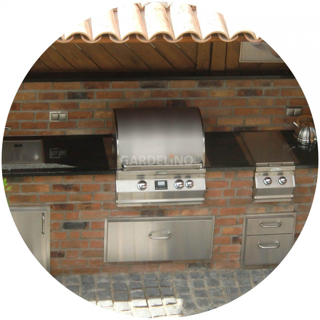 Outdoorküche aus Backstein mit Fire Magic Einbau Gasgrill selber bauen