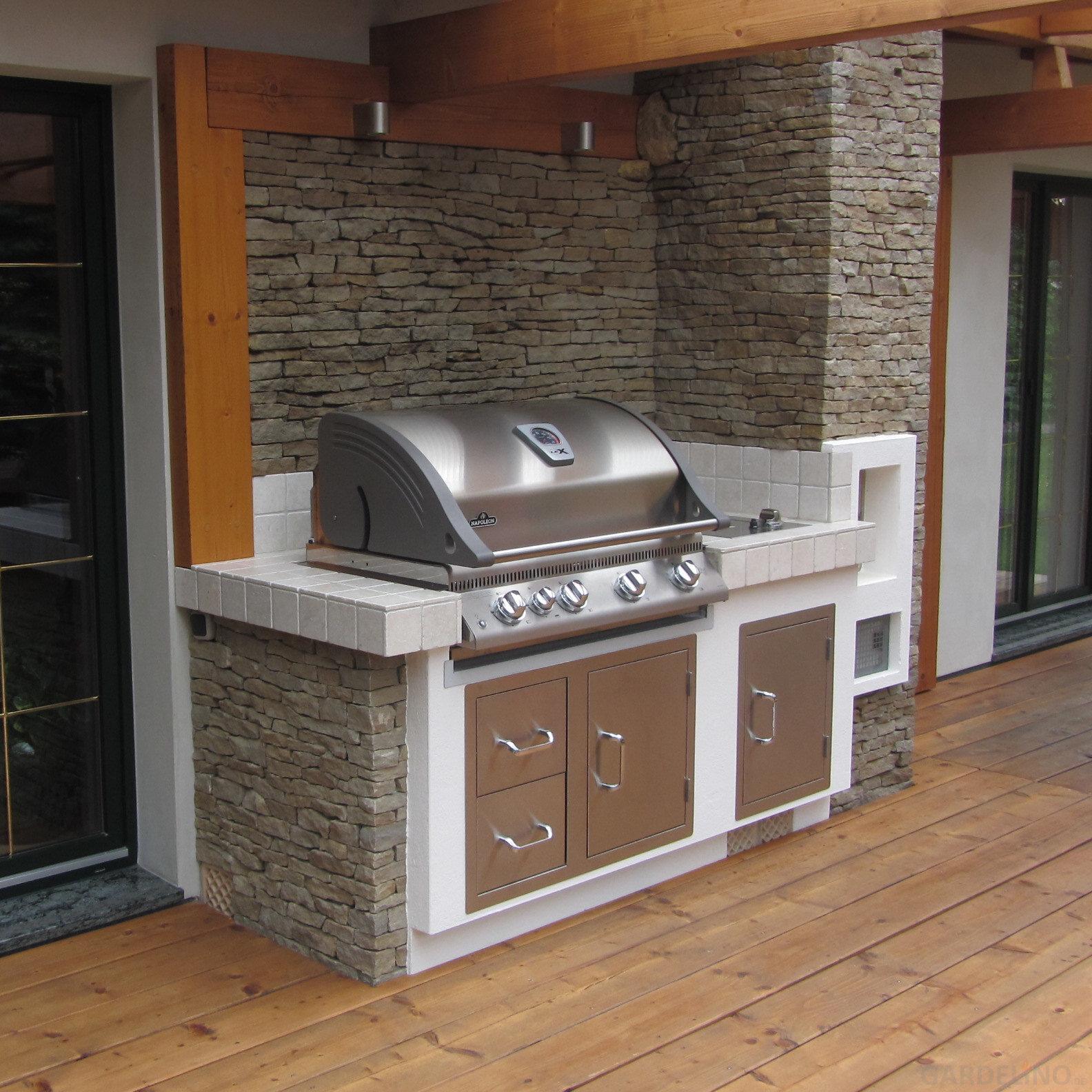 selbstgebaute au enk che mit napoleon grill. Black Bedroom Furniture Sets. Home Design Ideas