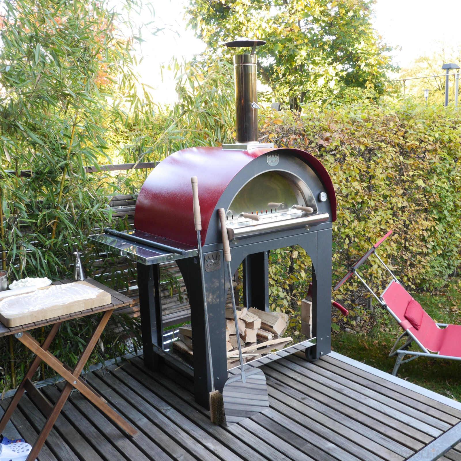 privater pizzaofen f r den garten von clementi. Black Bedroom Furniture Sets. Home Design Ideas