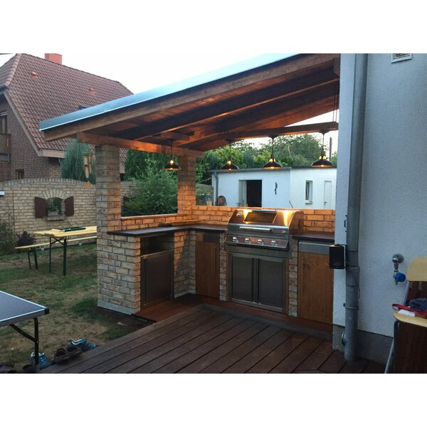 Rustikale Outdoor Küche mit BeefEater Gasgrill