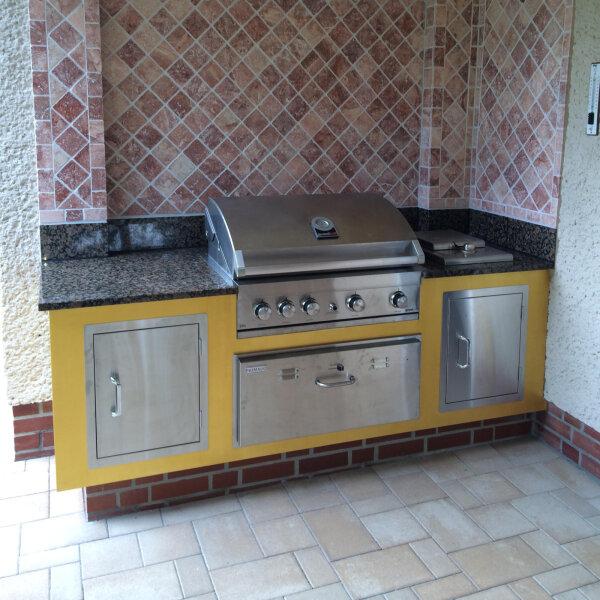 Kleine Außenküche mit wenig Aufwand