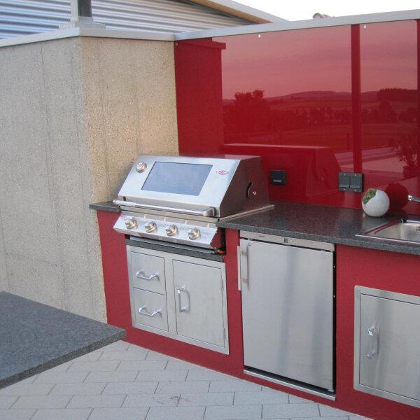 Komplette BeefEater Außenküche in schickem Design
