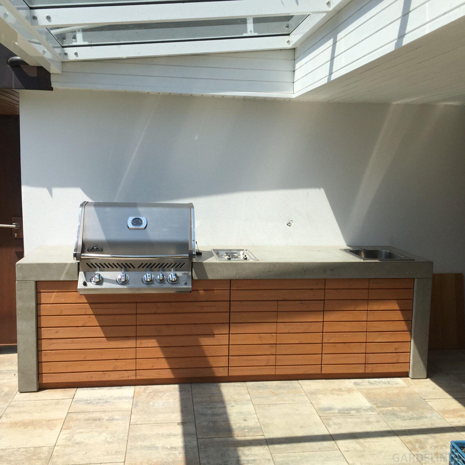 Beton Outdoorküche mit Napoleon Grill | Gardelino.de ...