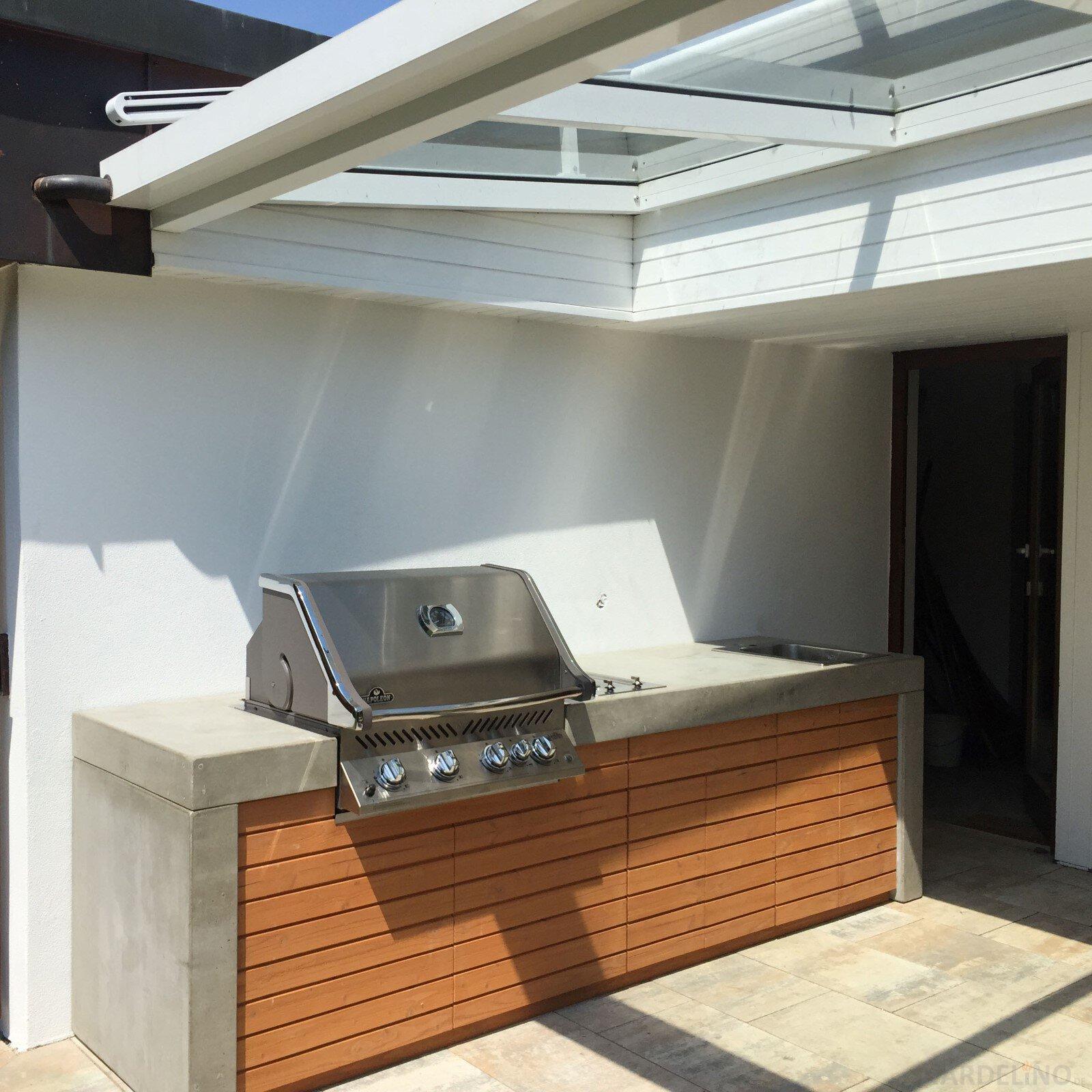 Beton outdoor kuche for Outdoorkuche mit grill